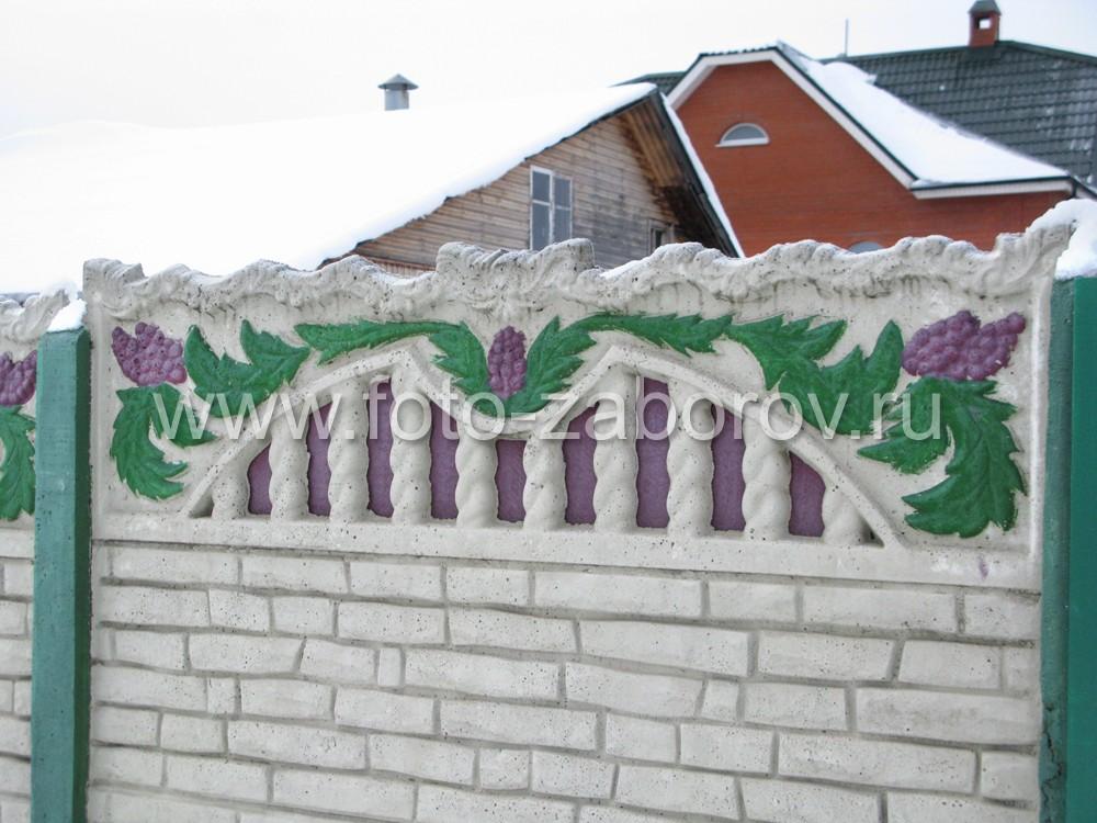 Рельефный узор на поверхности пролета из бетона, ручная