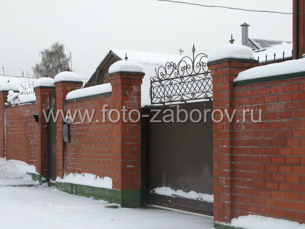 Декорированные кованые ворота частного
