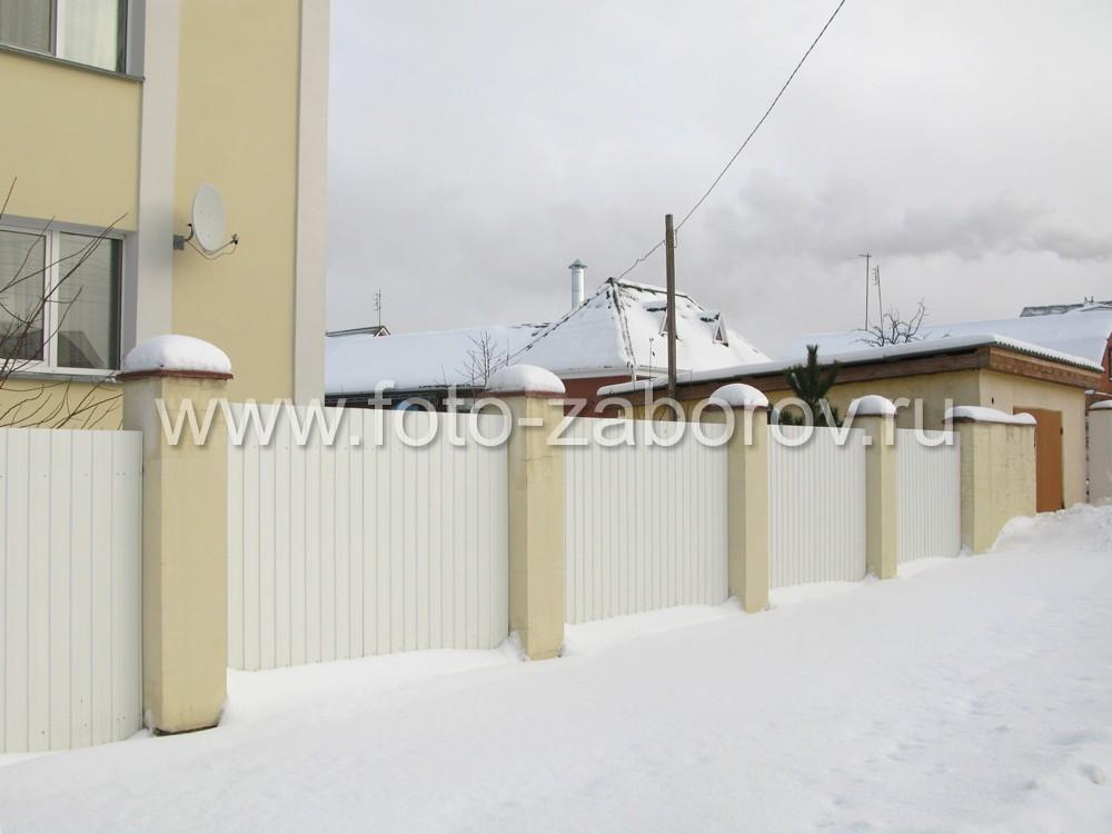 Картинка с белоснежной оградой для частного