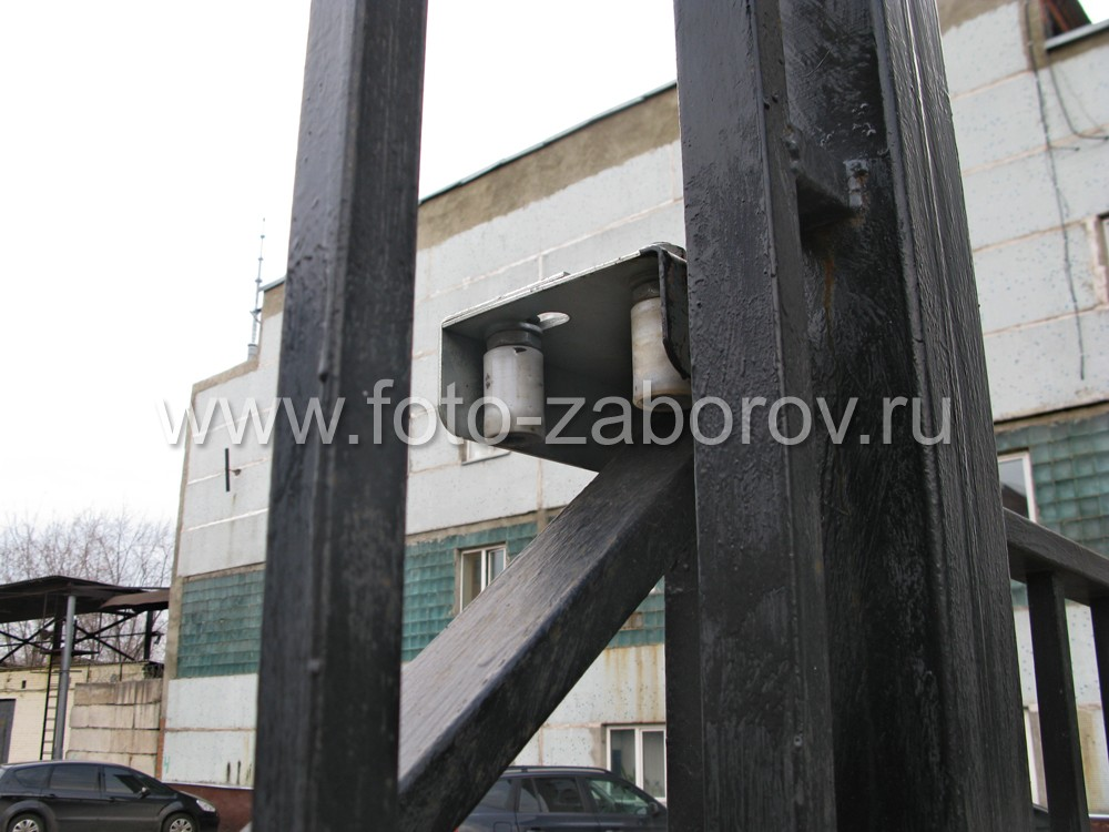 Ролики опорной колонны на металлических сдвижных