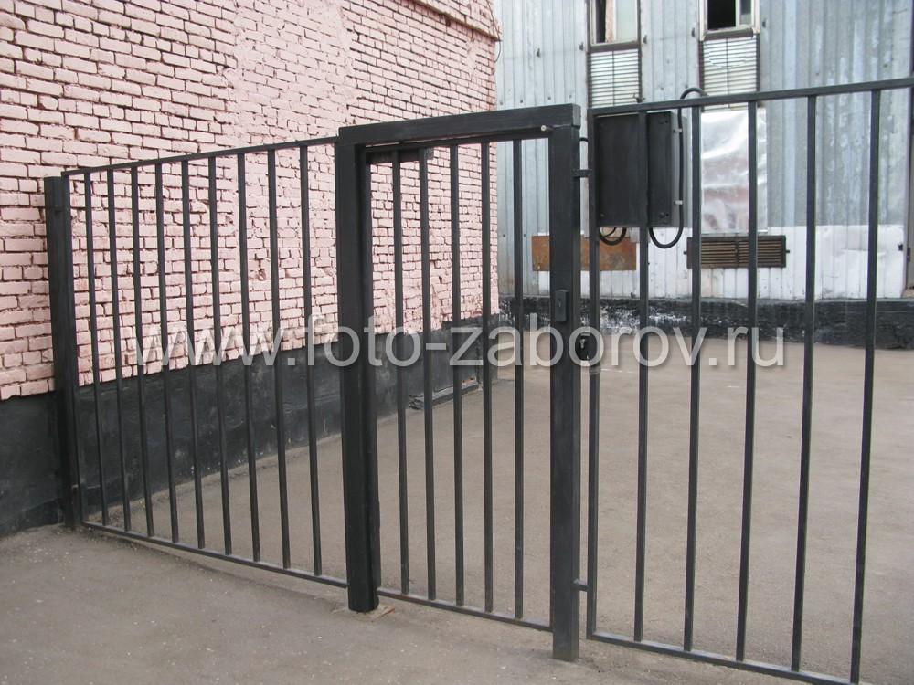 Металлические ворота из стального профиля на территорию промышленного