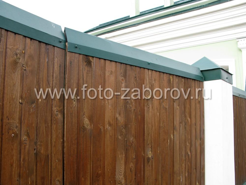 Защитно-декоративные зелёные колпаки на столбы и коньки на