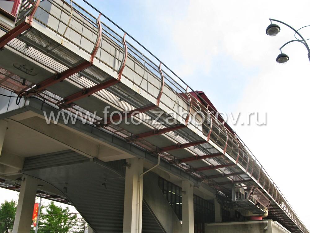 Фото Металлические ограждения путей Московской монорельсовой дороги. Путешествие от Тимирязевской