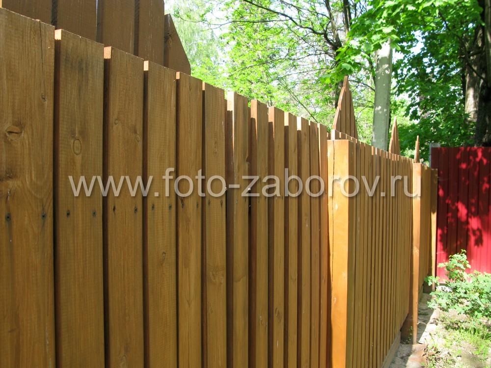 Фото Деревянный шахматный забор (
