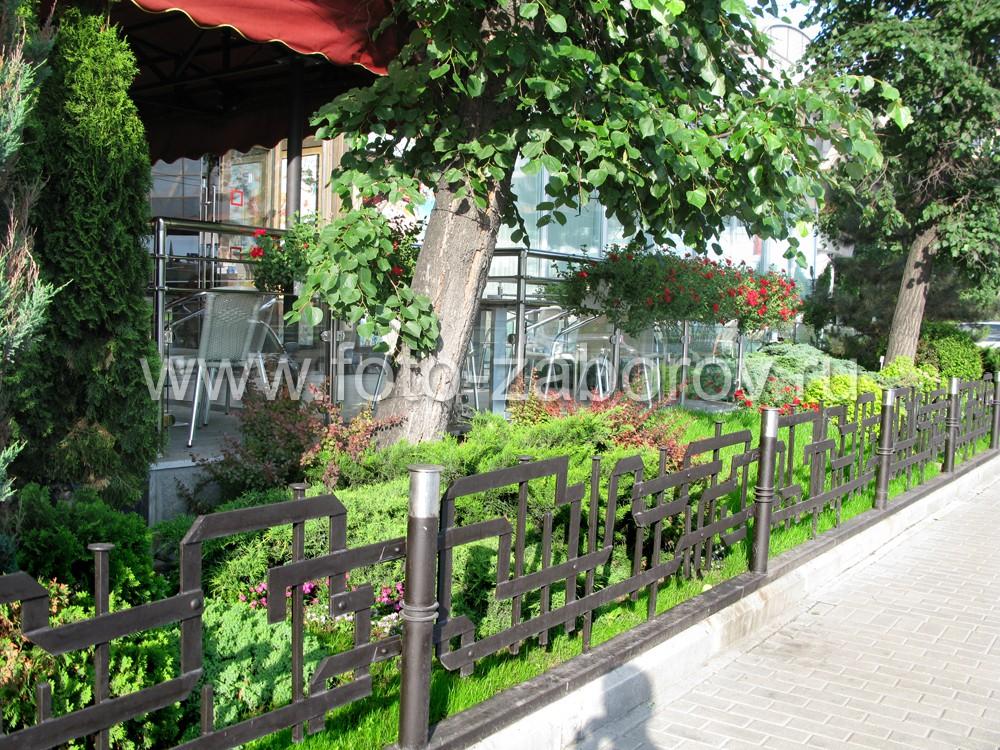 Цена ограды, представленной на фото, соответствует полученному художественному