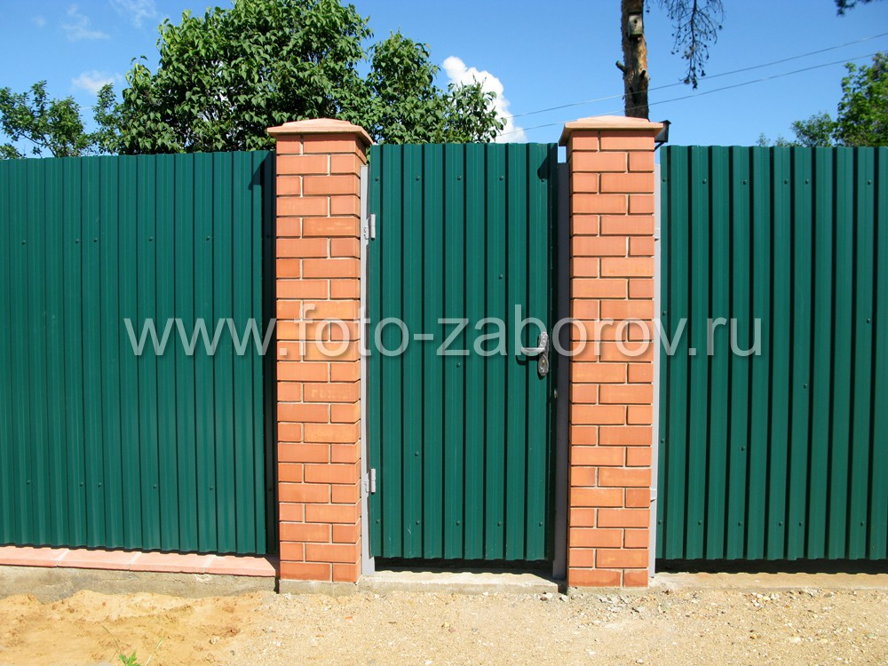 Ворота из профнастила своими руками со столбиками кирпича 16