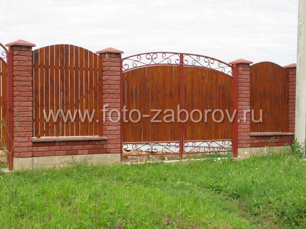 Фото красивых распашных ворот с элементами холодной