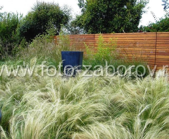 Фото Вилла в тропиках. Калейдоскоп материалов в ограждающей конструкции: керамблоки, деревянные