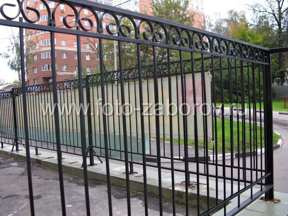 Сварная ограда из металлического