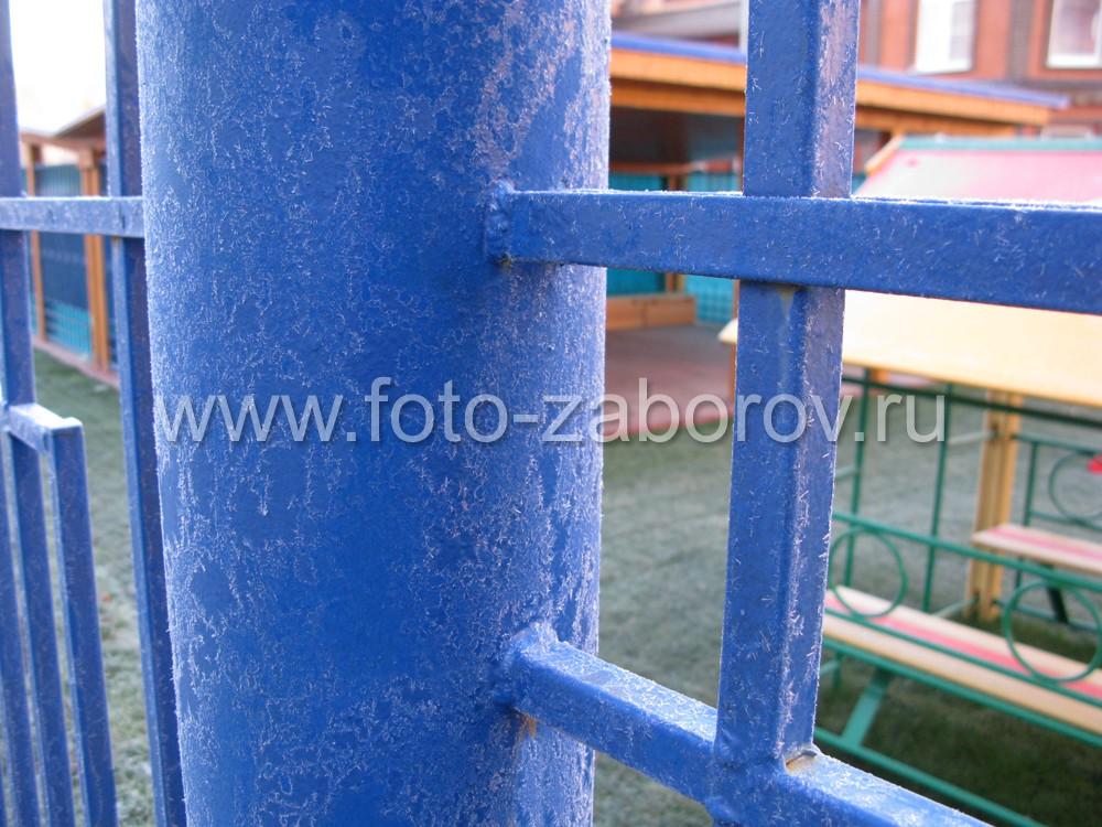 Место стыковки металлического пролета со столбом