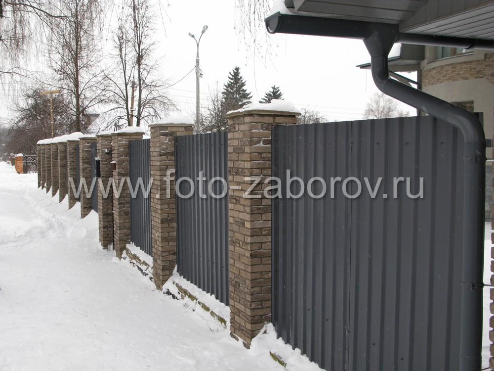 Фасад гаража расположен заподлицо с линией