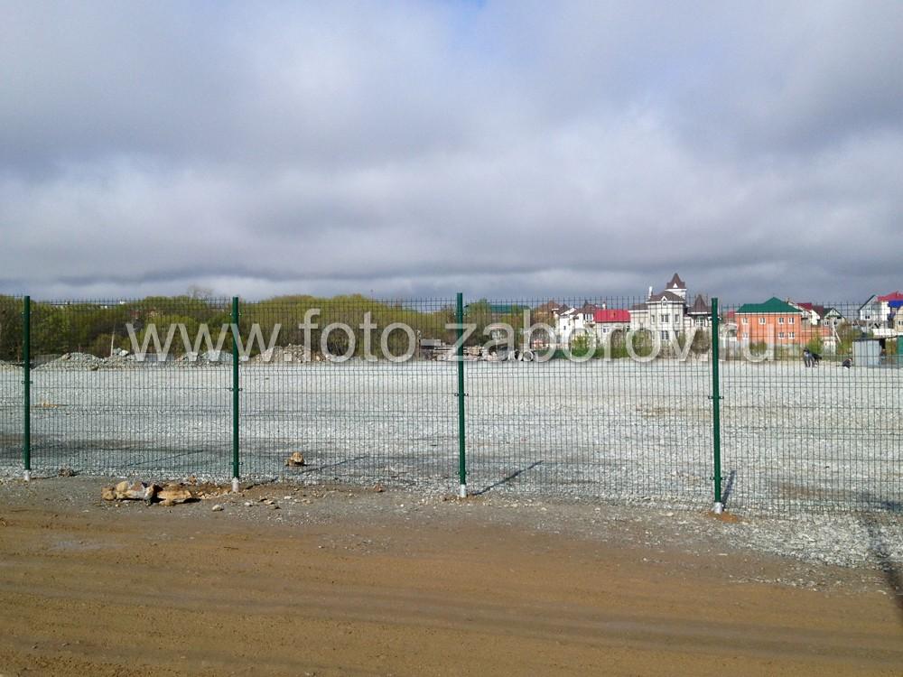 Забор с защитным полимерным покрытием прослужит очень долго - до 150