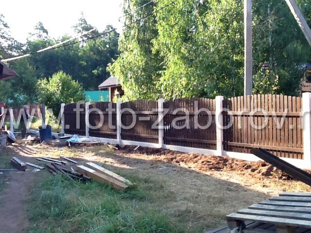 Этапы строительства: установка деревянных пролётов (секций) на ранее построенный модульный бетонный