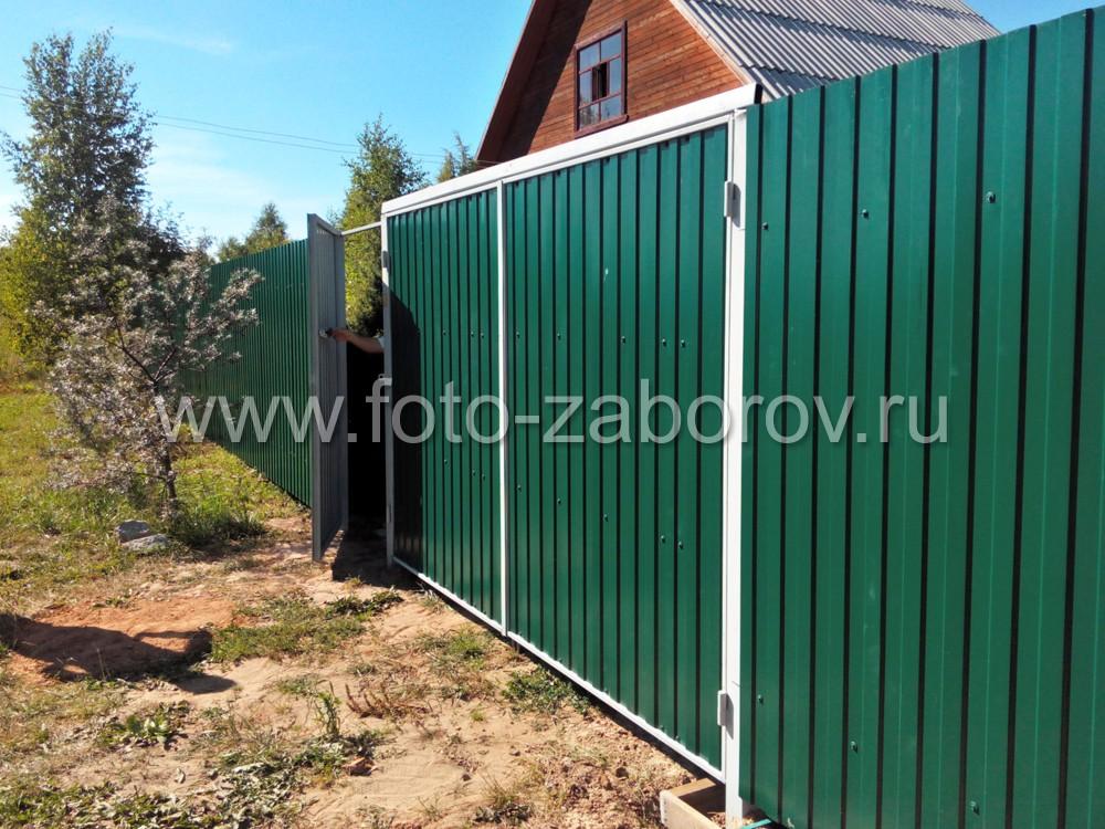 Чтобы повысить прочность каркаса ворот используется стяжка, устанавливаемая на столбы ворот. Стяжка