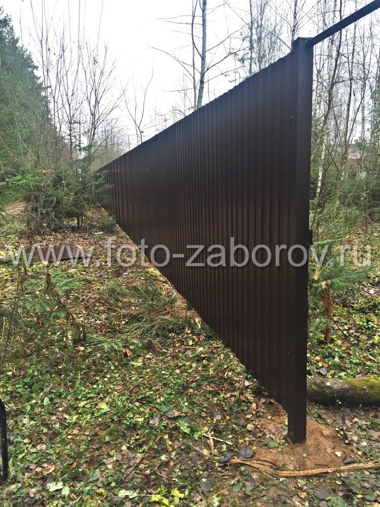 Забор из коричневого