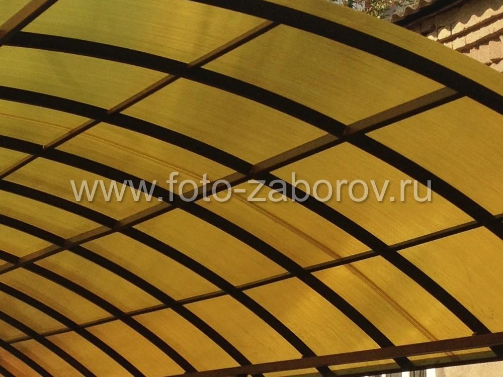 Фото Навес для авто из желтого поликарбоната как источник хорошего