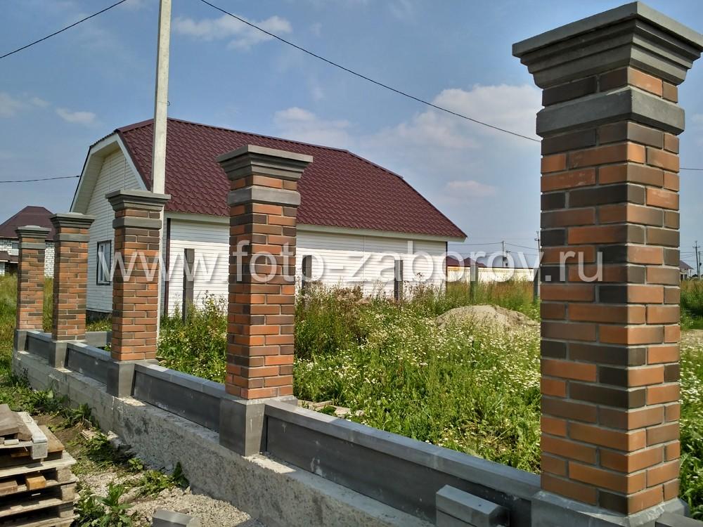 Фото Изысканный дизайн бетонных столбов и цоколей для фасадной части