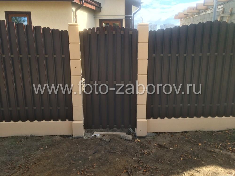 Фото Модульный забор с евростолбами и секциями из металлического