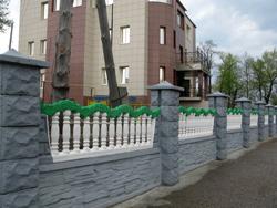 Бетонные заборы и ограды
