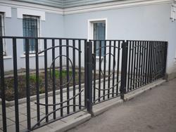 Металлические заборы и ограды